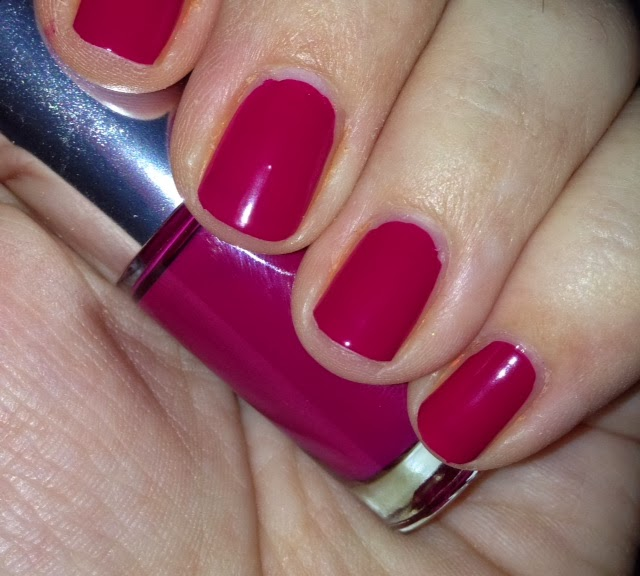 nails of the day – Clinique Cosmo Chic