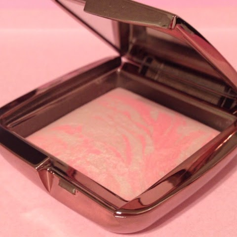 First impressions – Hourglass Ambient Lighting blush.