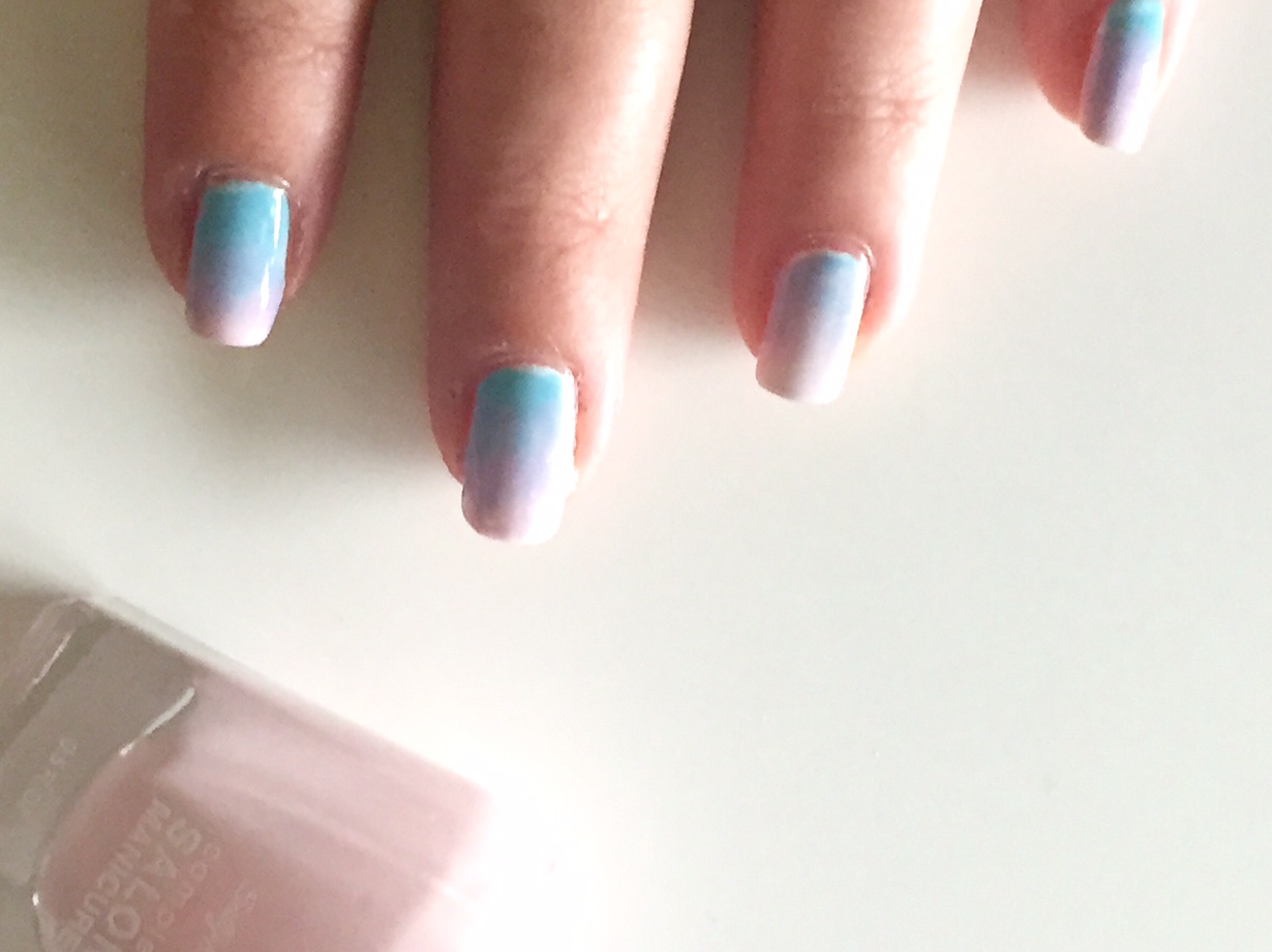 NailMania – A first attempt at ombre nails.